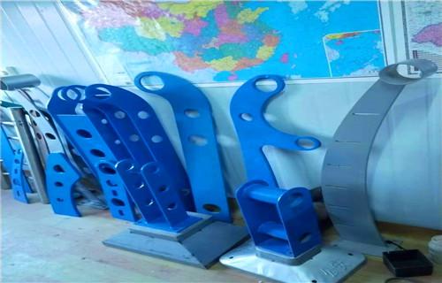 内蒙古兴安亮洁护栏工厂焊接不锈钢复合管栏杆生产厂家