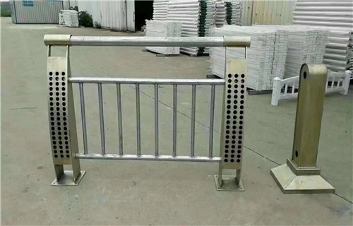 呼伦贝尔201不锈钢内衬碳素钢复合管价格咨询