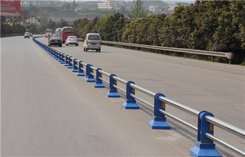 内蒙古通辽桥梁防撞护栏安装价格公司地址