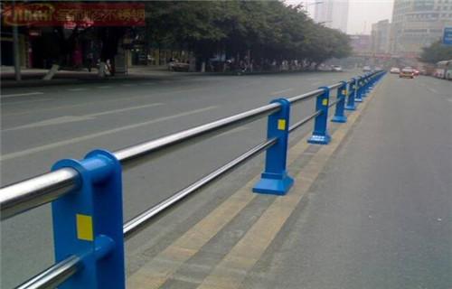 内蒙古兴安桥梁防撞钢护栏单价电话