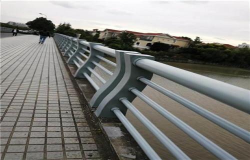 阿坝人行道隔离复合管栏杆品质优良