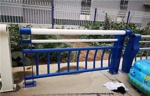 锡林郭勒不锈钢立柱哪里最便宜