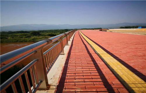 锡林郭勒河道防护不锈钢复合管栏杆厂家批发