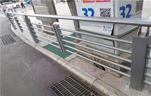 日照人行道隔离栏杆供不应求