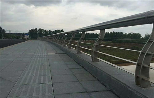 广安道路交通隔离护栏最新价格查询