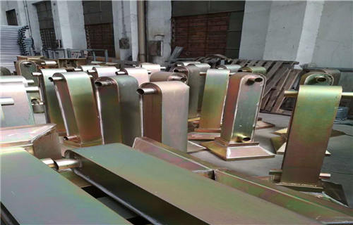 锡林郭勒不锈钢碳素钢复合管栏杆价格咨询