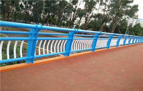 齐齐哈尔201不锈钢复合管护栏厂家制造