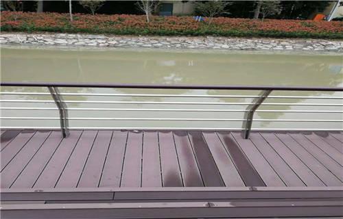 淮安不锈钢复合管道路护栏规格齐全