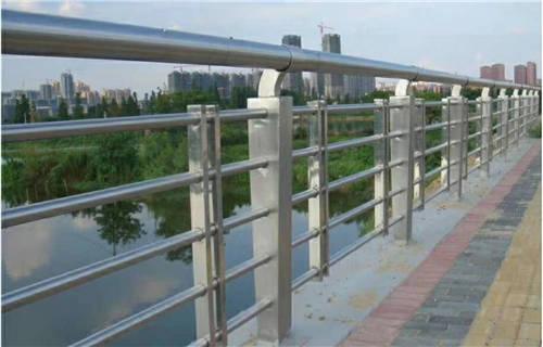 台州不锈钢复合管道路护栏库存量大