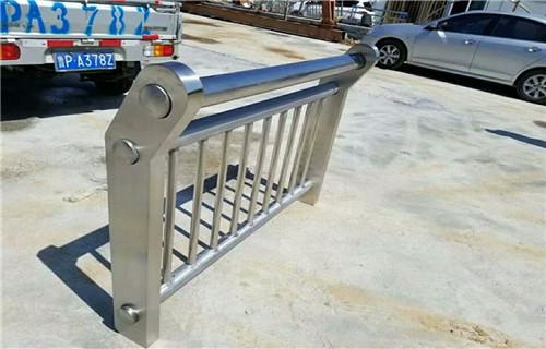 永定304不銹鋼橋梁護欄立柱最新報價