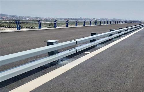 橋梁燈光護欄宿州價格如何計算